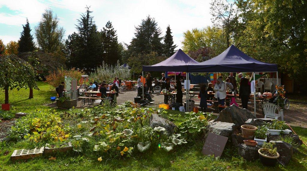 Offre d emploi un e animateur trice jardin centre for Emploi entretien jardin