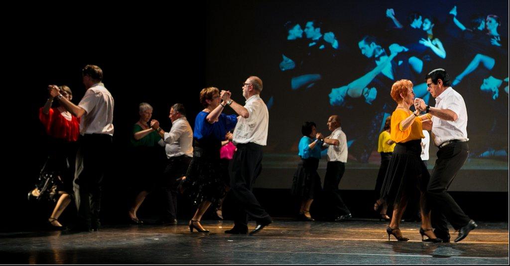 Danse de salon centre l o lagrange for Danse de salon 95